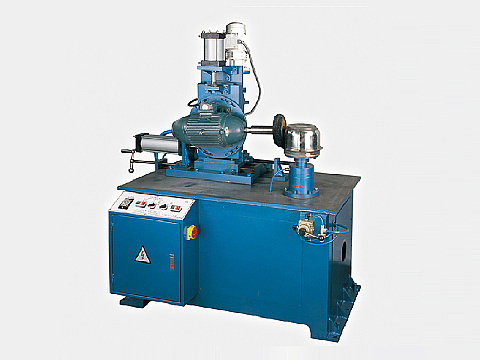 How is the fully automatic polishing machine operated?